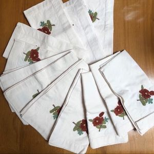 Set of 12 potter barn napkins